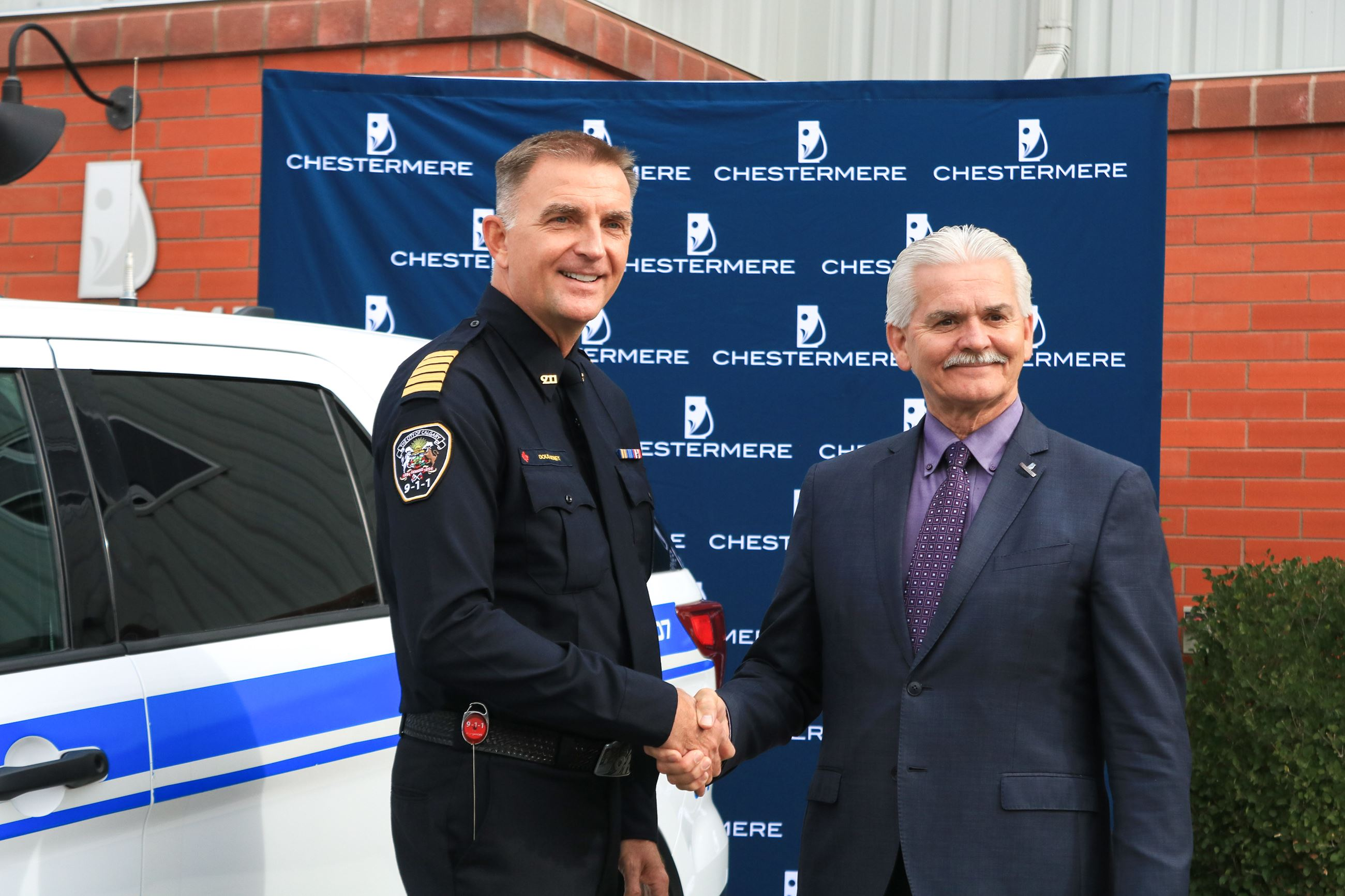 Chestermere Mayor and 911 Commander